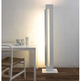 Ara Floor lamp in extruded...