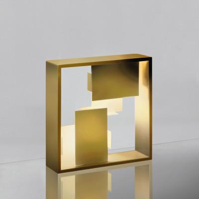 Lampe de table Fato structure en tôle