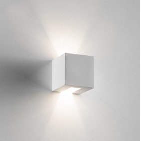 2336 Wall lamp in plaster...