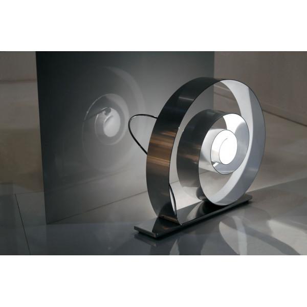 Slowly lampada da terra in alluminio lucido e interno verniciato bianco