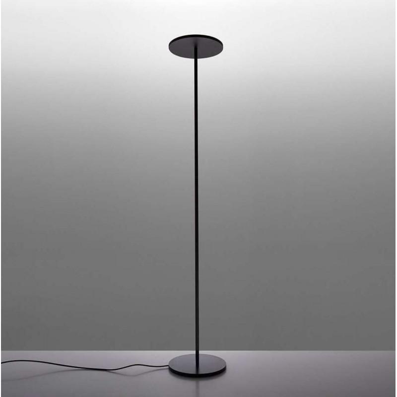 lampada da studio con gambo da terra